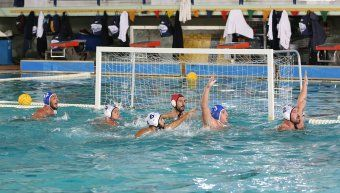 Φάση από το παιχνίδι του α' γύρου του ΝΟΧ/Astra Airlines με τη Γλυφάδα στο Ιωνικό όπου η χιώτικη ομάδα είχε κερδίσει με 8-7