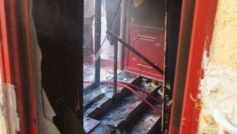 Φωτιά ξέσπασε το απόγευμα της Τετάρτης 3 Ιουλίου 2019 σε σπίτι στην οδό Πετροκοκκίνου που καταστράφηκε ολοσχερώς