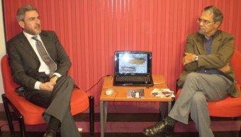 Ο νευροχειρουργός Απόστολος Καραγιαννίδης αριστερά, με τον Δημήτρη Φρεζούλη