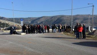 Συγκέντρωση διαμαρτυρίας Λαγκαδούσων στον περιφερειακό δρόμο