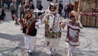 Χοροί στην Πλατεία Πυργίου