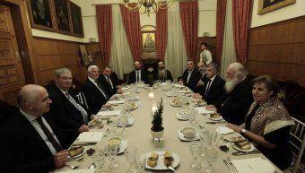 Γεύμα του Αρχιεπισκόπου στους Περιφερειάρχες