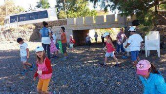 φωτο αρχείου από καθαρισμό των μαθητών της Βολισσού στην Λήμνο