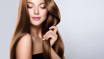 όμορφη γυναίκα, καστανά μαλλιά