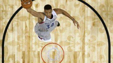 Ο 22χρονος Έλληνας διεθνής έγινε ο πρώτος παίχτης στην ιστορία του κορυφαίου πρωταθλήματος μπάσκετ στον κόσμο που καταφέρνει να τερματίσει στο top20 σε 5 στατιστικές κατηγορίες