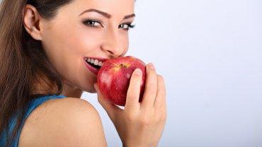 γυναίκα, μήλο