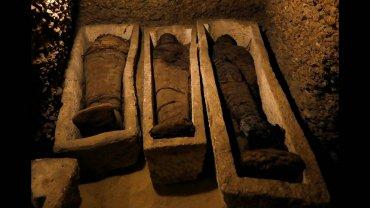 μούμιες άνω των 2000 ετών