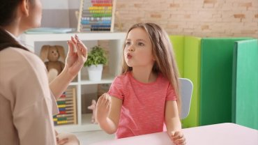 παιδί, γυναίκα, μαθησιακές δυσκολίες