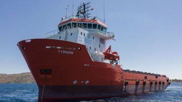 Το πλοίο Typhoon στη μάχη κατά της θαλάσσιας ρύπανσης