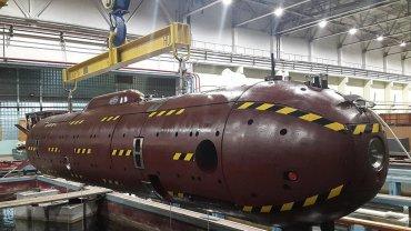 το πυρηνικό υποβρύχιο εξοπλισμένο με drones που φέρουν πυρηνικά όπλα