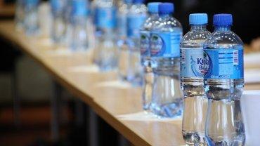 Πλαστικά Μπουκάλια Νερού