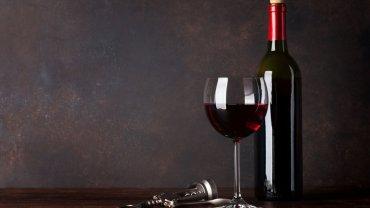 μπουκάλι με κρασί, ποτήρι με κρασί