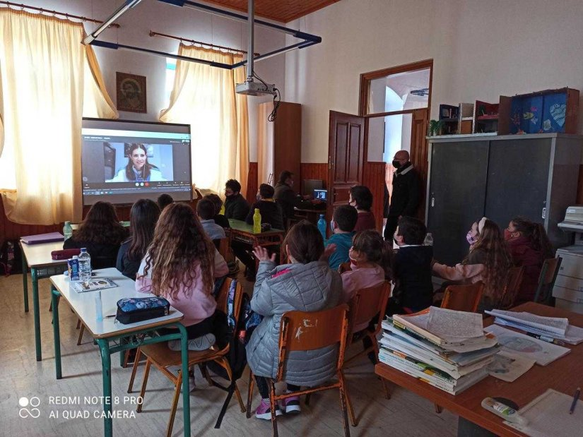 «Ζήσε Αθλητικά», στο Δημοτικό σχολείο Ψαρών, με την Ολυμπιονίκη, Εβίνα Μάλτση