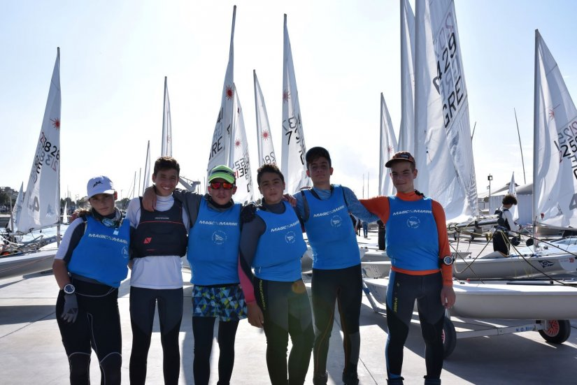 Η ιστιοπλοϊκή ομάδα του ΝΟΧ που πήρε μέρος στο Athens International Week 2019 Laser 4.7