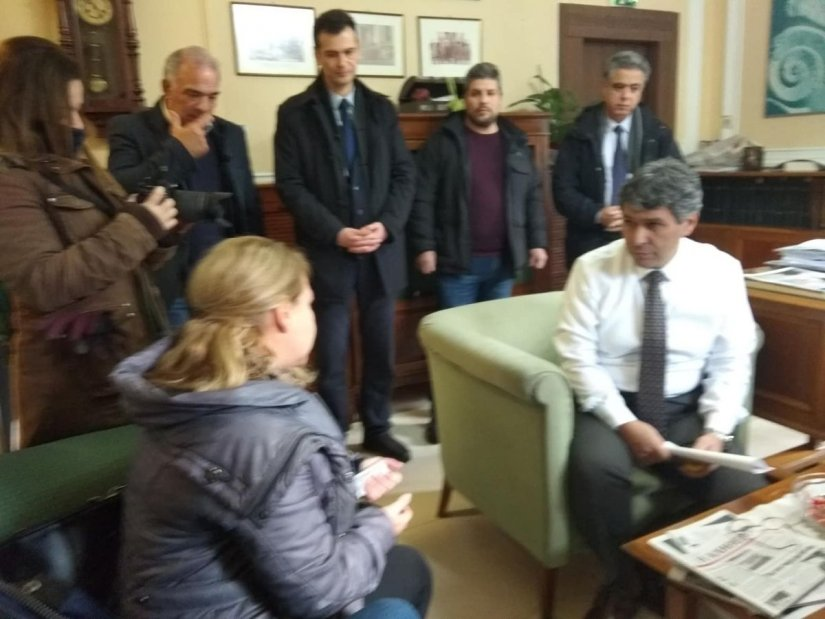 Αντιπροσωπία κατοίκων και αιρετοί στο γραφείο του Διευθυντή της Εθνικής Τράπεζας