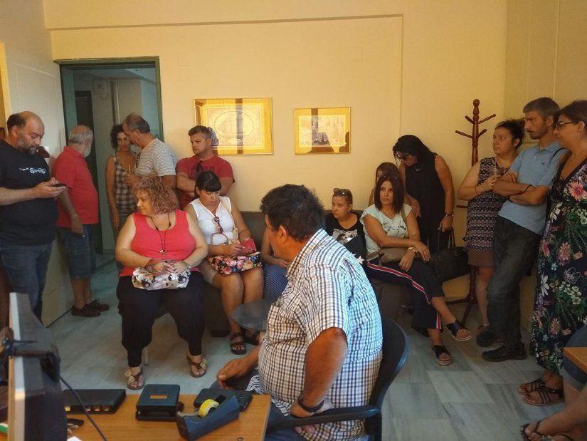 Στα γραφεία της Πρωτοβάθμιας οι γονείς των μαθητών δημοτικού της Λαγκάδας