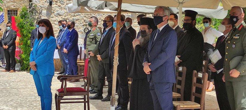 Η Πρόεδρος της Δημοκρατίας στις εκδηλώσεις μνήμης των Σφαγών της Χίου, στον ιστορικό Ανάβατο