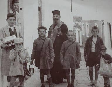 """Φωτό: Αναστασία Μπιρμπίλη, από τη σελίδα """"παλιές φωτογραφίες και γραφικοί τύποι της παλιάς Τριπολιτσάς"""" στο facebook"""