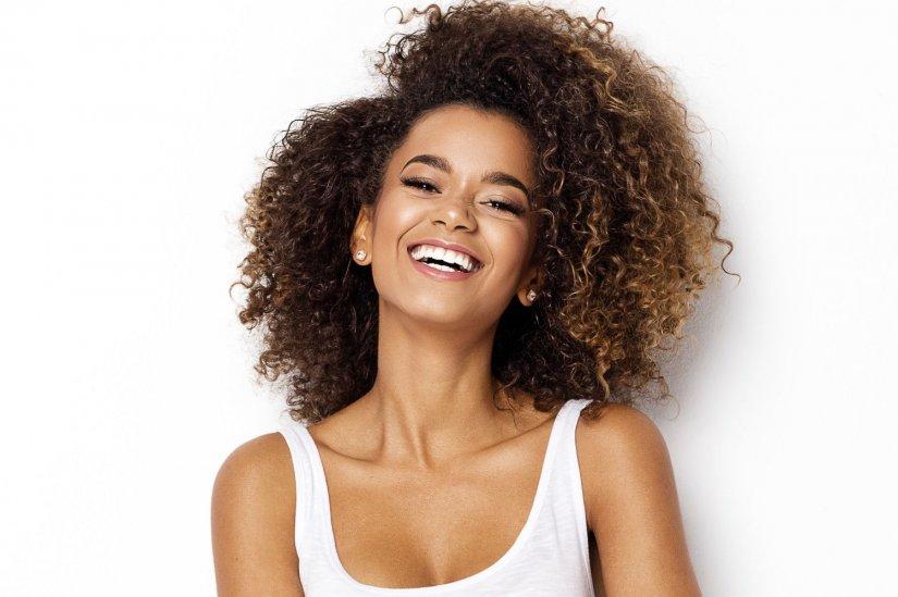 αστραφτερό χαμόγελο, γυναίκα