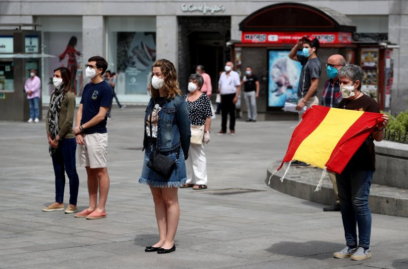 spain_10_day_national_mourning_for_coronavirus_victims