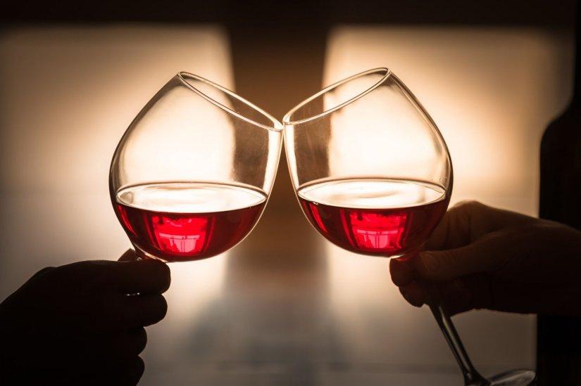 ποτήρια με κρασί