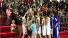 Οι παίκτες του ΒΑΟΛ πανηγυρίζουν μαζί με τους οπαδούς τους τη σπουδαία νίκη επί της Νίκης Αμαρουσίου