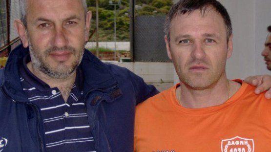 Ο Λάμπρος Αποστολής αριστερά με τον Γιάννη Παϊδούση