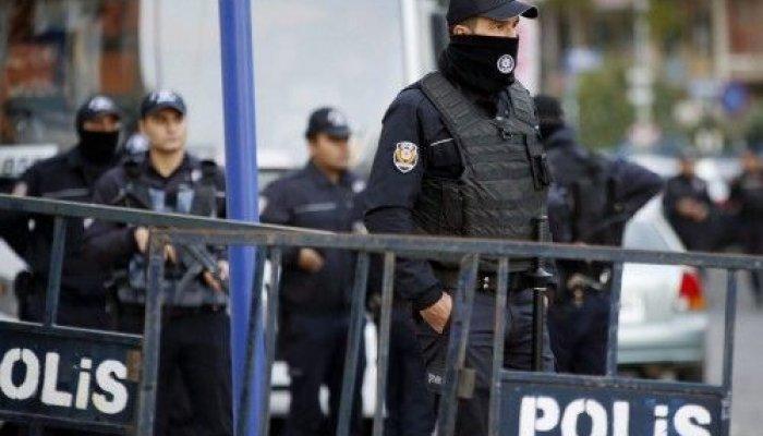 Δέκα μήνες μετά το αποτυχημένο στρατιωτικό πραξικόπημα του Ιουλίου, οι συλλήψεις και οι εκκαθαρίσεις στον δημόσιο τομέα συνεχίζονται