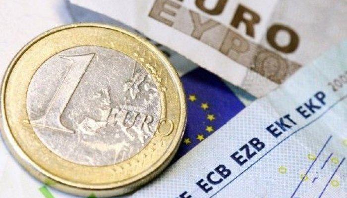 Οι εκκρεμείς επιστροφές φόρων τον Φεβρουάριο ανήλθαν στα 1,255 δισ. ευρώ