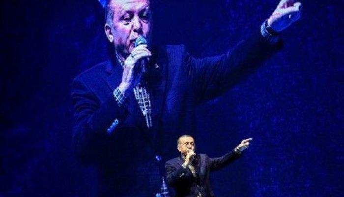 """Ειδικοί αναλύουν την """"επόμενη ημέρα"""" στην Τουρκία"""