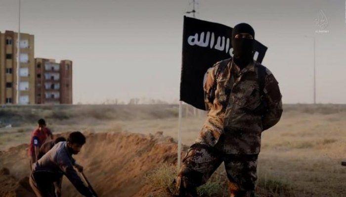 Ο εκπρόσωπος της τζιχαντιστικής οργάνωσης, Αμπού Χασάν αλ-Μουχατζίρ ζήτησε από τους υποστηρικτές της να πραγματοποιήσουν επιθέσεις στην Ευρώπη, στις Ηνωμένες Πολιτείες, στη Ρωσία, την Αυστραλία, στις Φιλιππίνες και χώρες της Μέσης Ανατολής