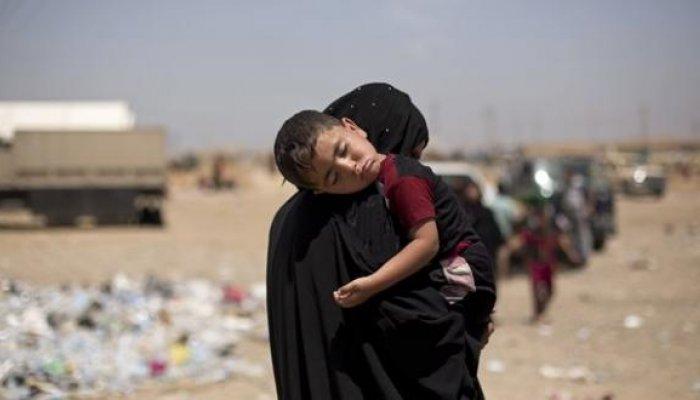 Τουλάχιστον 750 πρόσφυγες που φιλοξενούνται στον καταυλισμό υποφέρουν από αφυδάτωση λόγω συμπτωμάτων δηλητηρίασης ενώ τουλάχιστον ένα παιδί έχει πεθάνει σύμφωνα με το Κουρδικό πρακτορείο ειδήσεων Rudaw.