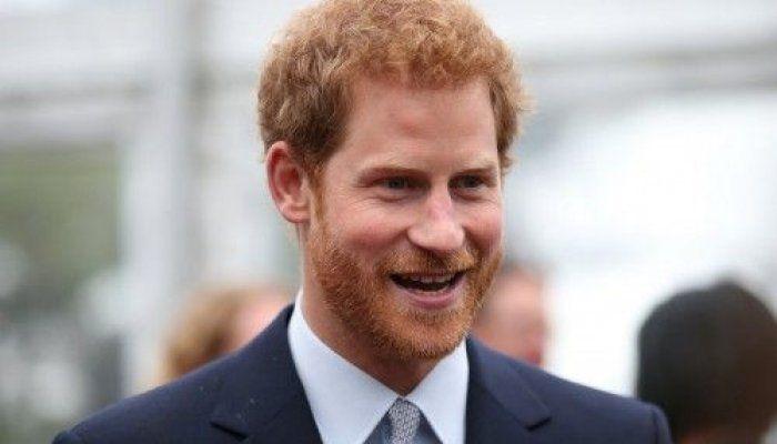 Σε συνέντευξη που παραχώρησε στο «Newsweek», ο Βρετανός πρίγκιπας μίλησε ακόμη για την εμπειρία που βίωσε ακολουθώντας το φέρετρο της μητέρας του, πριγκίπισσας Νταϊάνα