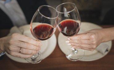 ζευγάρι, ποτήρια, κρασί