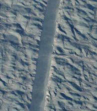 Μια ρωγμή σε ασυνήθιστο σημείο του παγετών προκαλεί ανησυχία