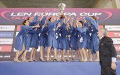 Η Εθνική Ομάδα πόλο Γυναικών, με τη χιώτισσα Αναστασία Καλαργυρού στη σύνθεσή της, πανηγυρίζει την πρώτη θέση στο Europa Cup