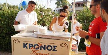 """Για ακόμη μία χρονιά τα παγωτά """"Κρόνος"""" έγιναν ανάρπαστα στον 8ο Ημιμαραθώνιο Δρόμο της Χίου"""
