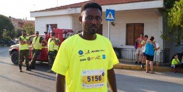 Ο 34χρονος Atesnim από την Ερυθραία, που φιλοξενείται στην π. ΒΙΑΛ, ο νικητής των 5 χλμ. στον Ημιμαραθώνιο της Χίου