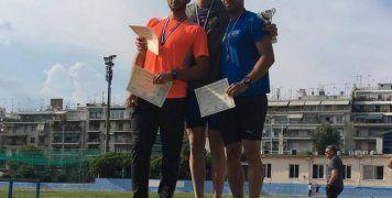 Ο Νίκος Μαρής ξεκίνησε αρκετά καλά την περίοδο για τον ανοιχτό στίβο με την 3η θέση στα 110 μέτρα με εμπόδια στα «Παπαναστάσεια». Στο φωτογραφικό στιγμιότυπο με τους άλλους δύο συναθλητές του, που ήταν στην 1η και στη 2η θέση, μαζί στο βάθρο των νικητών.