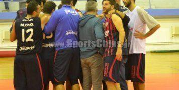 Οι παίκτες του Ν.Ο. Θυμιανών υπό τις οδηγίες του νέου τους προπονητή, Δημήτρη Εσκίδη, έφτασαν το βράδυ του Σαββάτου στην πρώτη τους νίκη στην Α' Κατηγορία μπάσκετ Ανδρών του νησιού μας, επικρατώντας του Πυρσού. Φωτό: www.sportschios.gr