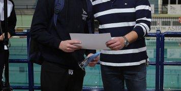 Ο Νίκος Λαμπρινούδης, δημοτικός σύμβουλος, με τον Μιχάλη Καρακούρο