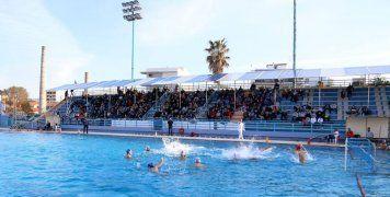 Αρκετός κόσμος βρέθηκε στο κολυμβητήριο των Χανίων, το απόγευμα του Σαββάτου για να ενισχύσει την τοπική ομάδα στην προσπάθεια που κάνει για παραμονή στην Α1 πόλο Ανδρών.