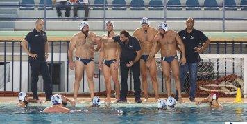 Η ομάδα του ΝΟΧ σε τάιμ άουτ στο Ιωνικό Κολυμβητήριο