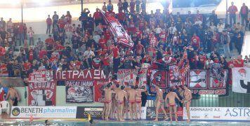 Ο Ολυμπιακός πανηγυρίζει την 19η κατάκτηση του Κυπέλλου Ελλάδος στο πόλο των Ανδρών