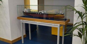 Ομοιώματα πλοίων κυριαρχούν στην διακόσμηση