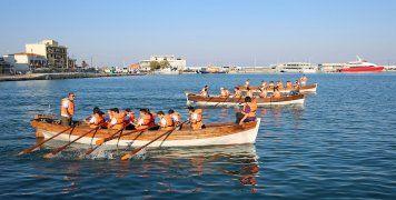 Εντυπωσίασαν οι κωπηλατοδρομίες των Προσκόπων στο λιμάνι της Χίου