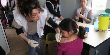 Μαζικοί εμβολιασμοί στη Λέσβο