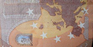 Δείτε κάτω αριστερά στη γωνία τα νησάκια- κτήση της Γαλλίας