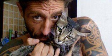 Ήταν τετραπληγικός εξαιτίας δυστυχήματος και είχε ζητήσει να τον βοηθήσουν να θέσει τέλος στη ζωή του στην Ιταλία