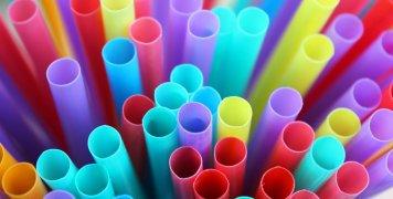 πλαστικά καλαμάκια μιας χρήσης